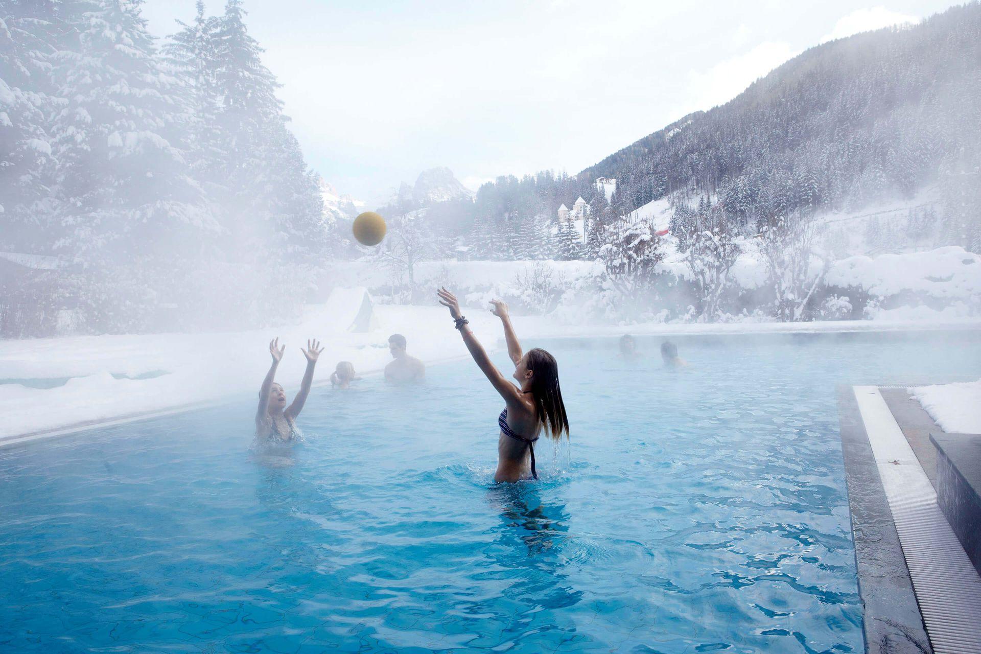 Risultati immagini per family hotel posta piscina